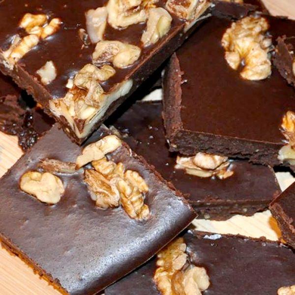 Ciocolata raw cu nuca romaneasca