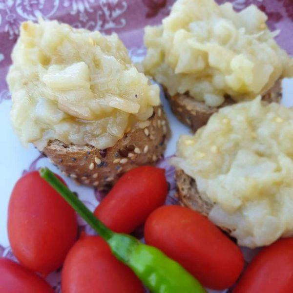 Salata de VINETE albe