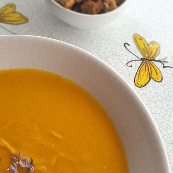 Supă cremă de dovleac cu portocală