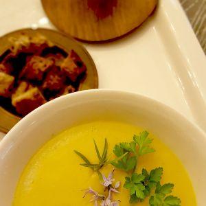 Supă cremă de napi și morcovi