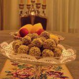 Bomboane cu prune uscate si nuci romanesti