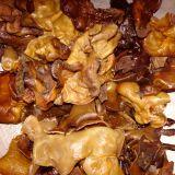 Salată din urechi de lemn si busuioc