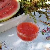 Suc de pepene roșu cu ...busuioc